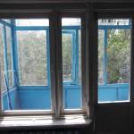 Старое балконное окно