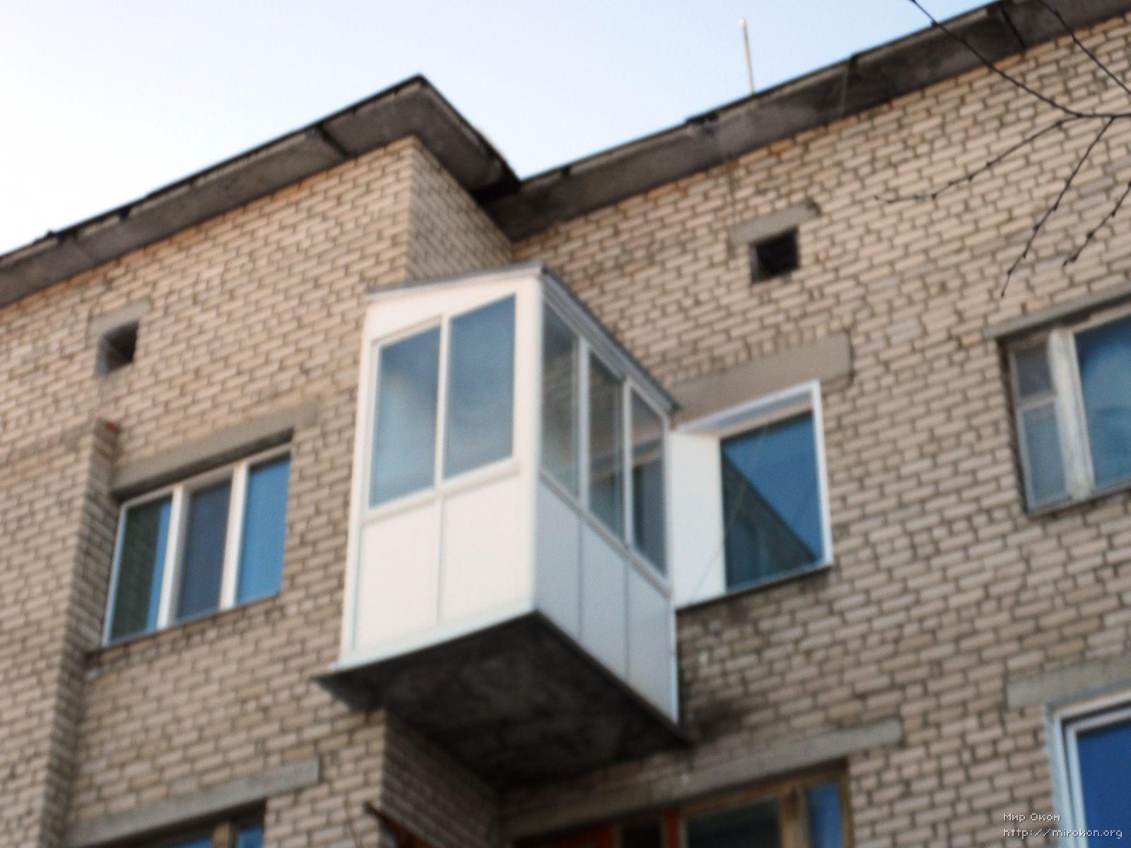 Как устанавливается балкон с выносом для увеличения внутренн.