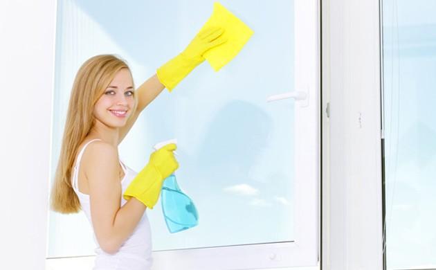 Мыть стёкла и рамы рекомендуется по мере их загрязнения
