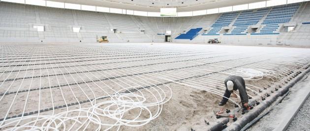 Обогрев травяного покрытия футбольного поля производится по всей поверхности