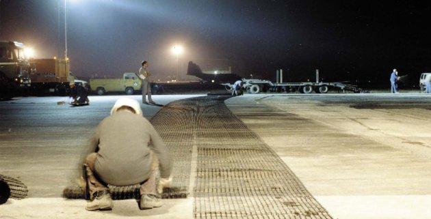 Работа аэропорта не останавливается даже в морозы, при этом соблюдаются комфортные условия труда для сотрудников аэропорта. А это уже и забота о людях!