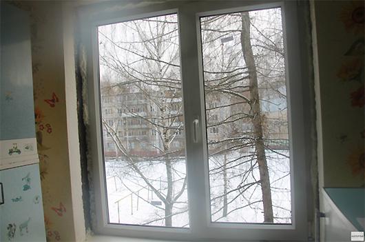 Пенсионерке приходиться четвертый месяц живет с недоделанным окном