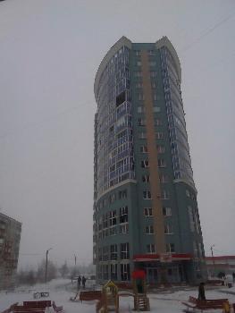 В Саранске балконная рама упала с двенадцатого этажа