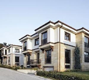 Цветные окна увеличивают стоимость жилья